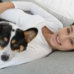 Meiz Pregnancy Pillow woman with dog