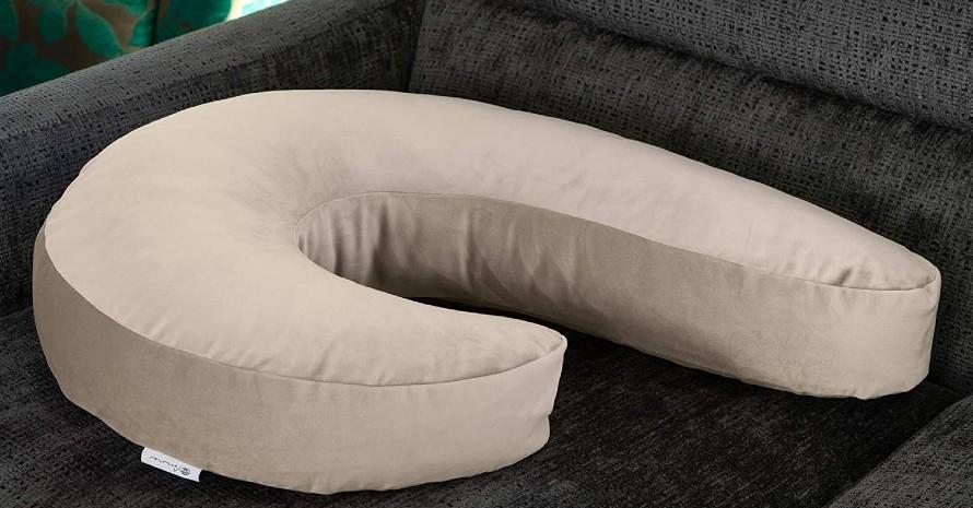 a-Pregnancy-Pillow-for-Shoulder-Pain