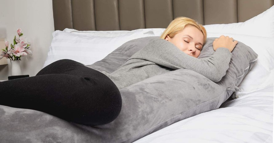 the-Pregnancy-Pillow-for-Hip-Pain