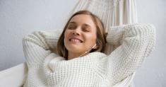 Best Earbuds For Sleeping: My Personal Top 5 Headphones