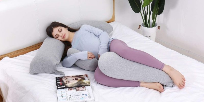 Best Pregnancy Pillow for Tall Person: How to Find the Right Model